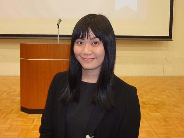 Microbiology specialist Nunthaphan Vikromvarasiri
